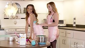 Kitchen is the dictatorial place be advantageous to lesbian sex - Britney and Alex